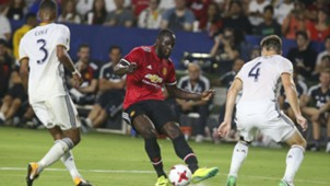 Romelu Lukaku Ashley Cole Manchester United LA Galaxy