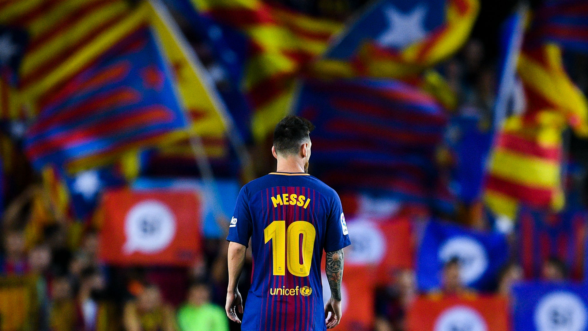 Lionel Messi Catalan flags