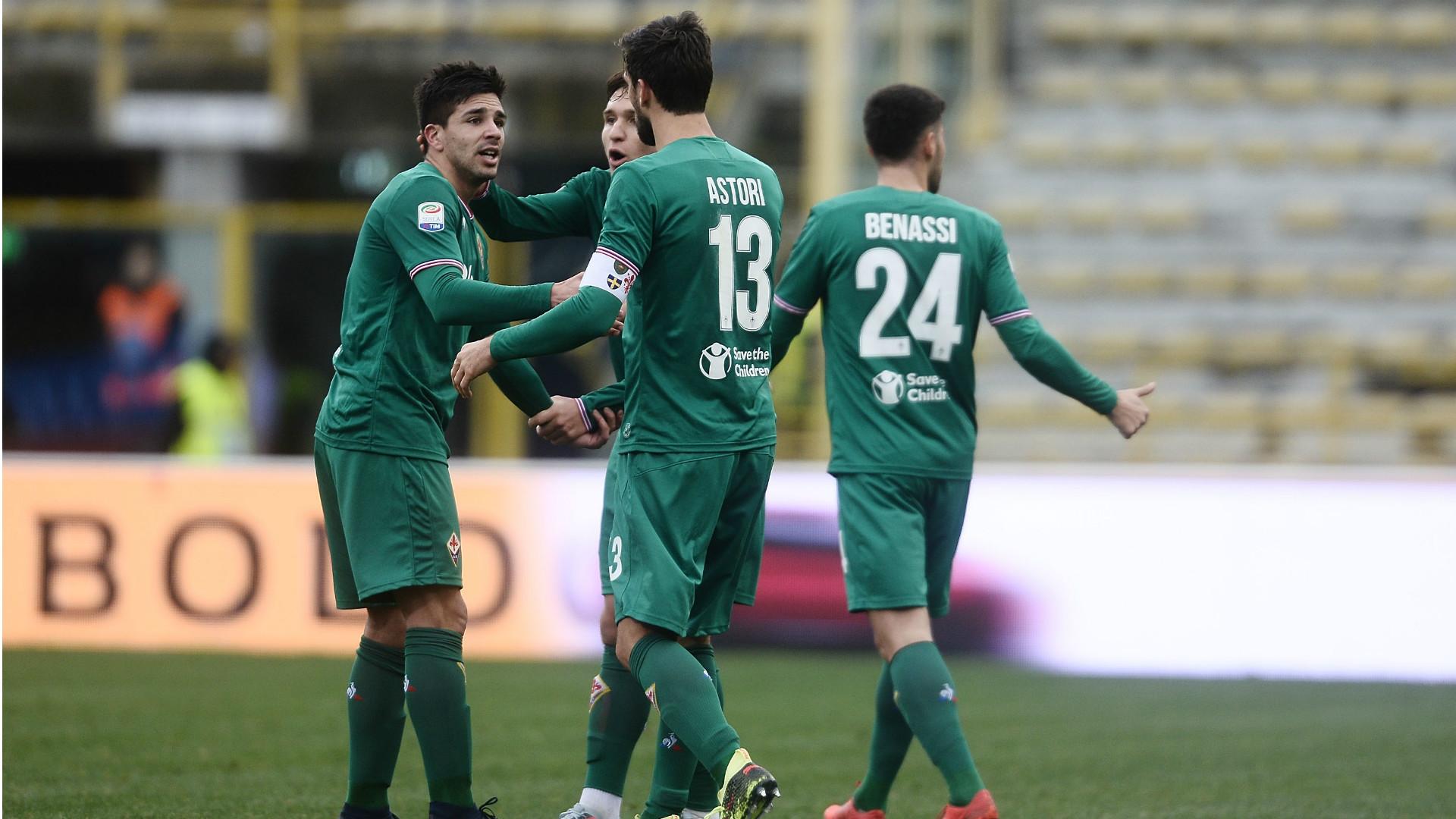 Fiorentina celebrating against Bologna