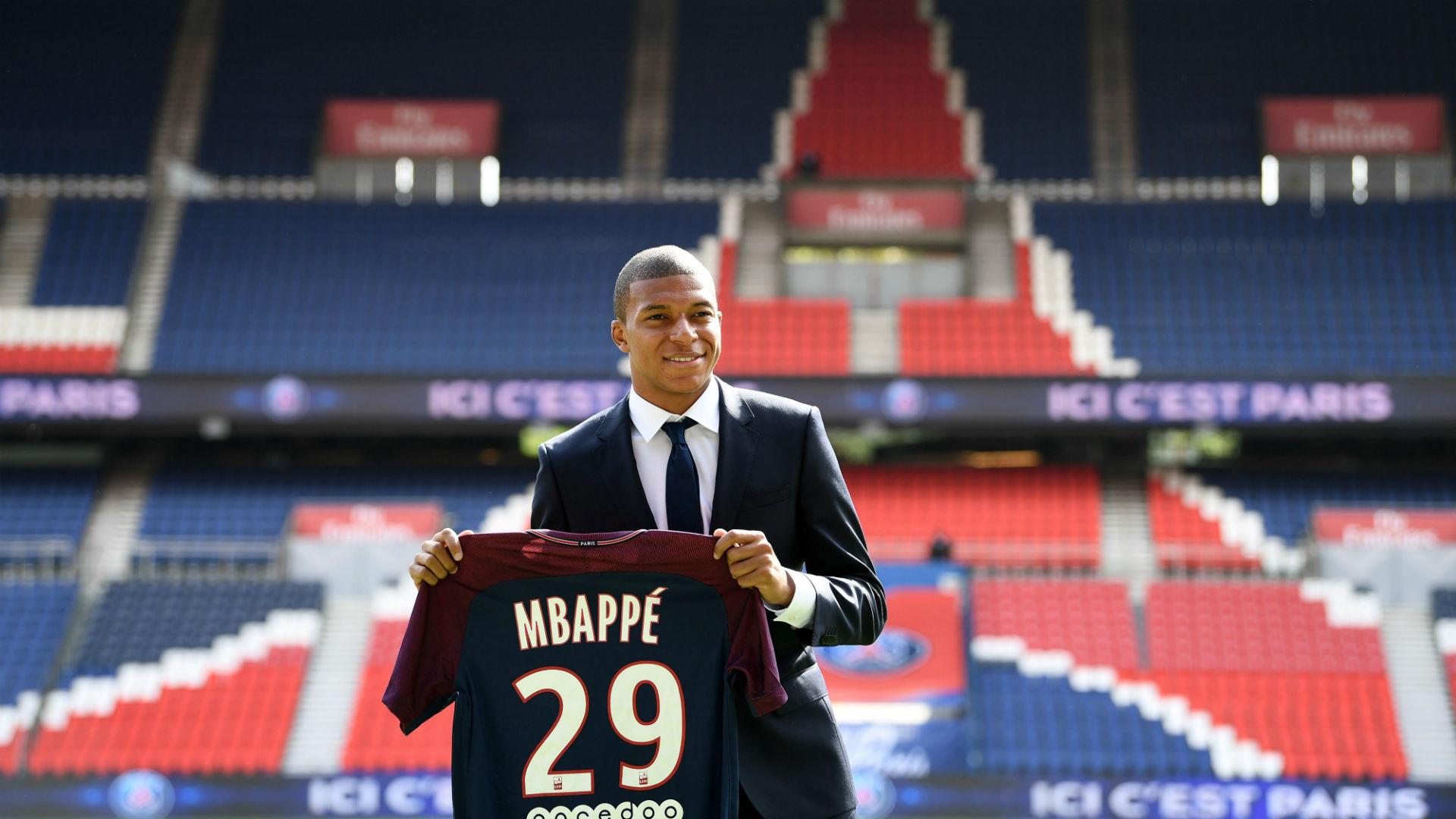 El PSG presenta ante los medios a Kylian Mbappé