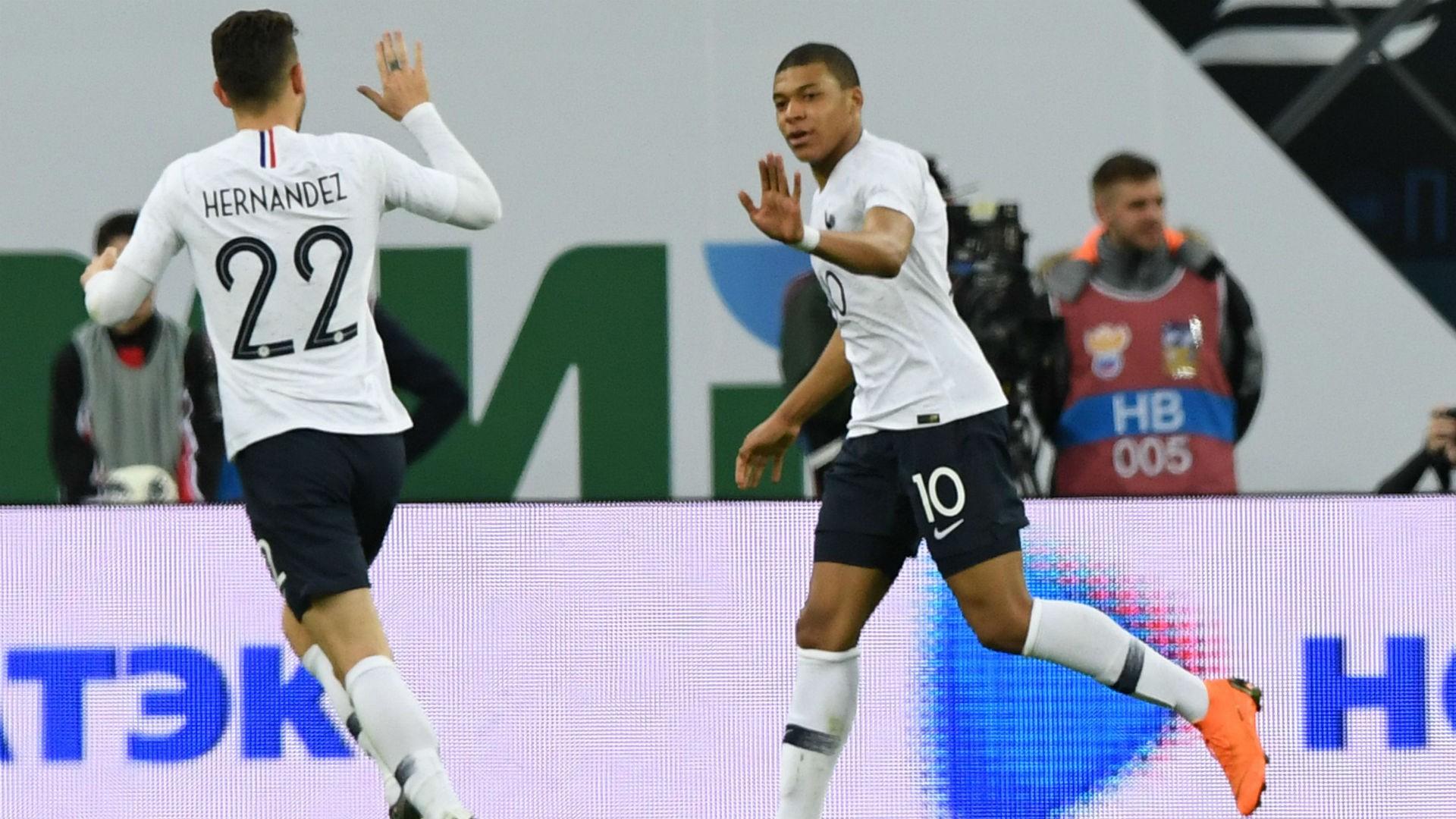 Mbapée célèbre son but en match amical contre la Russie (Photo: Réproduction)