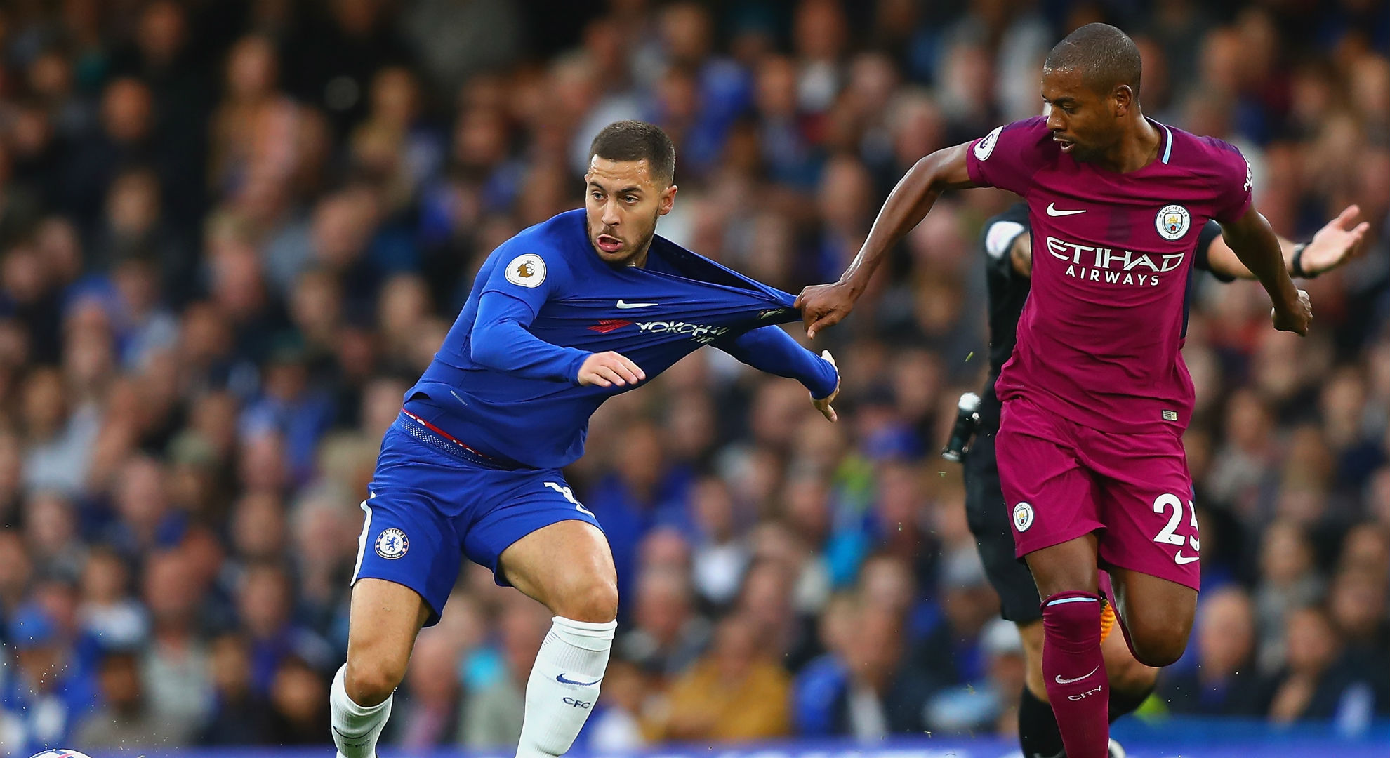 Eden Hazard Fernandinho Chelsea Manchester City