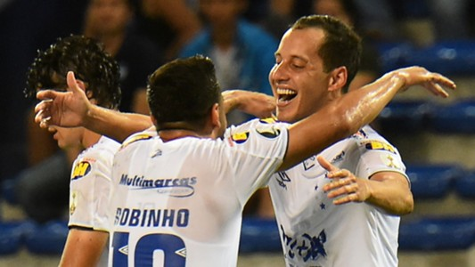 Rodriguinho Robinho Emelec Cruzeiro Copa Libertadores 03042019