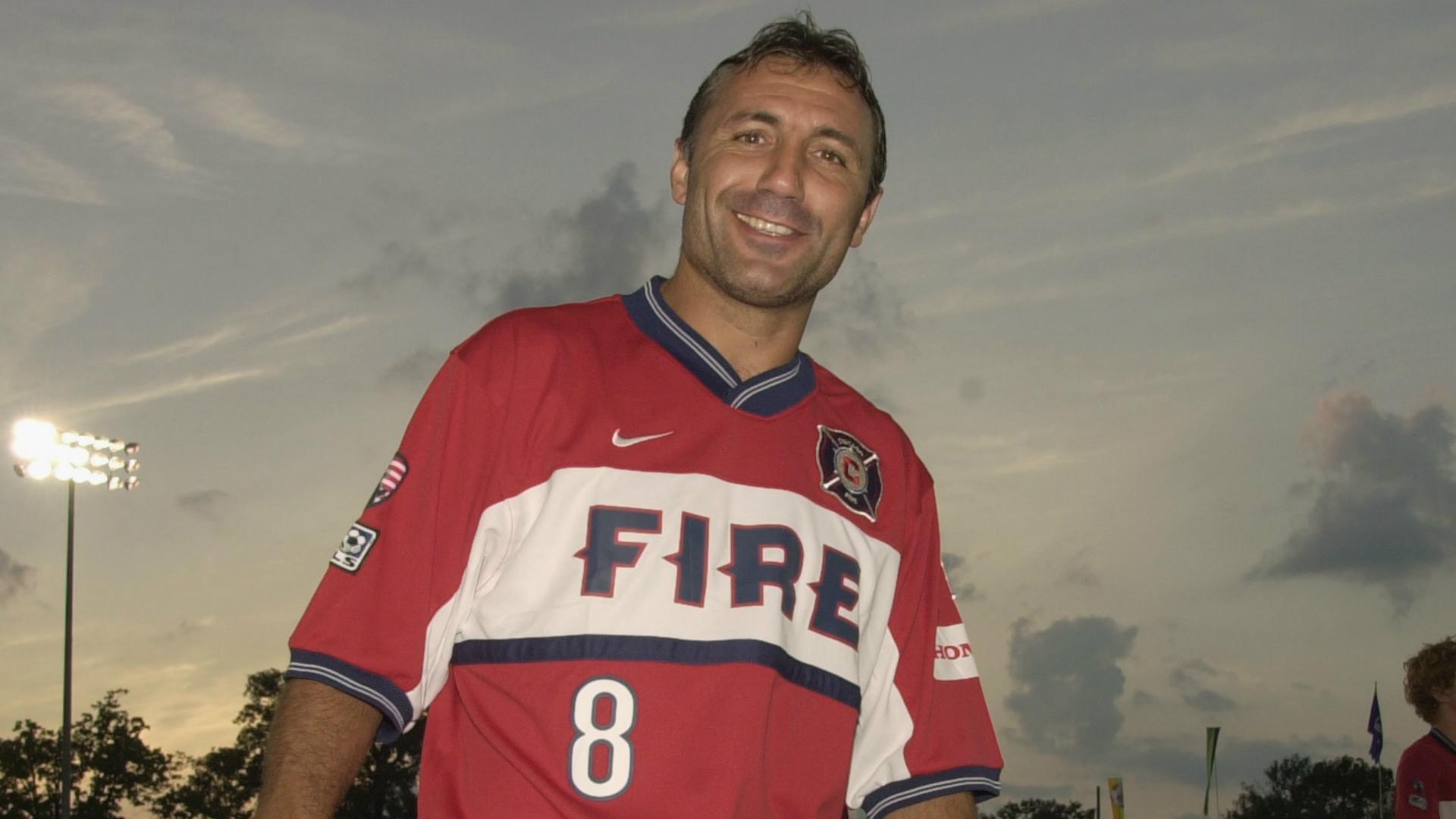 Hristo Stoitchkov MLS Chicago Fire 08242002