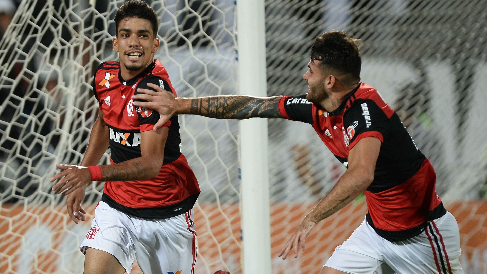Lucas Paqueta Felipe Vizeu Flamengo Santos Brasileirao Serie A 26112017
