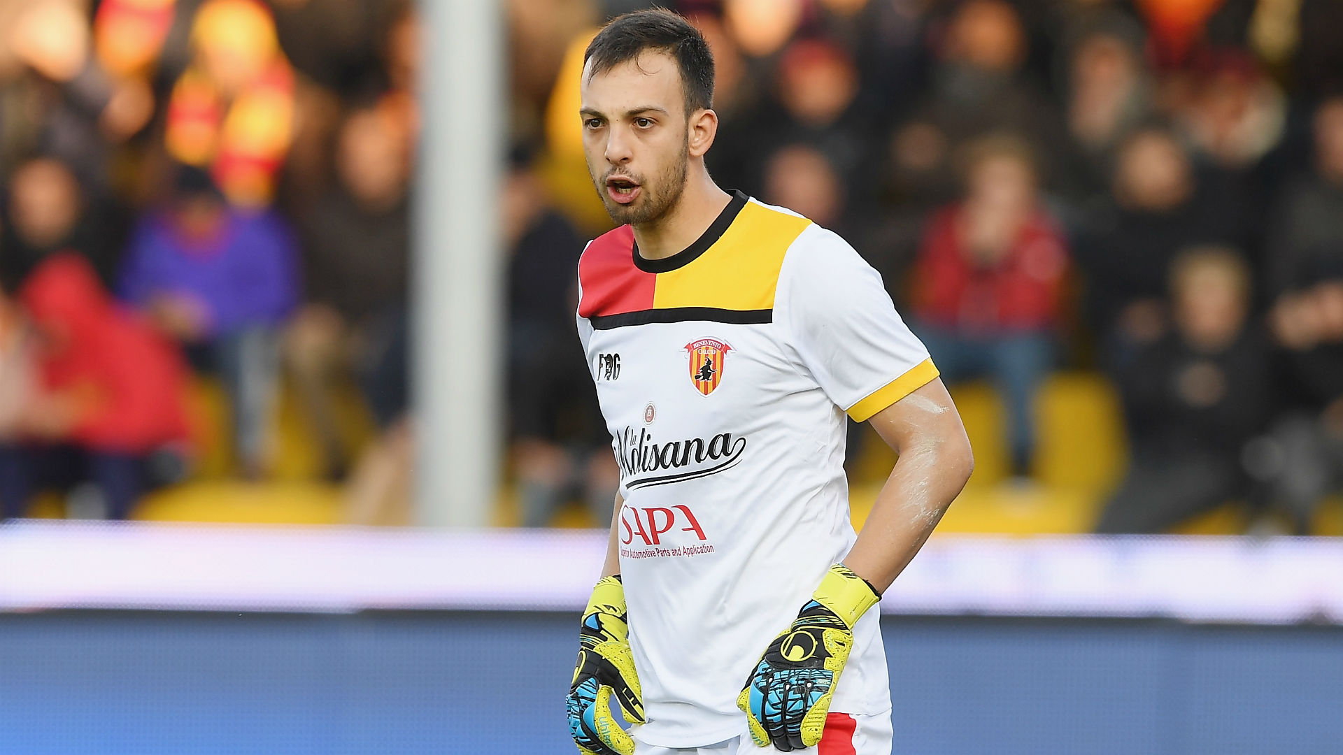 Benevento goalkeeper scores 95th-minute diving header to equalise against AC Milan