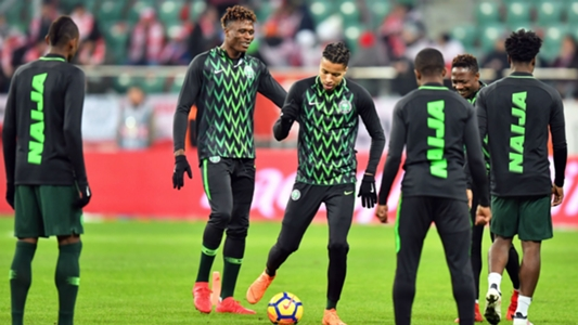 af14f2edcd9 EXTRA TIME: Queue as fans purchase Nigeria 2018 World Cup kits ...