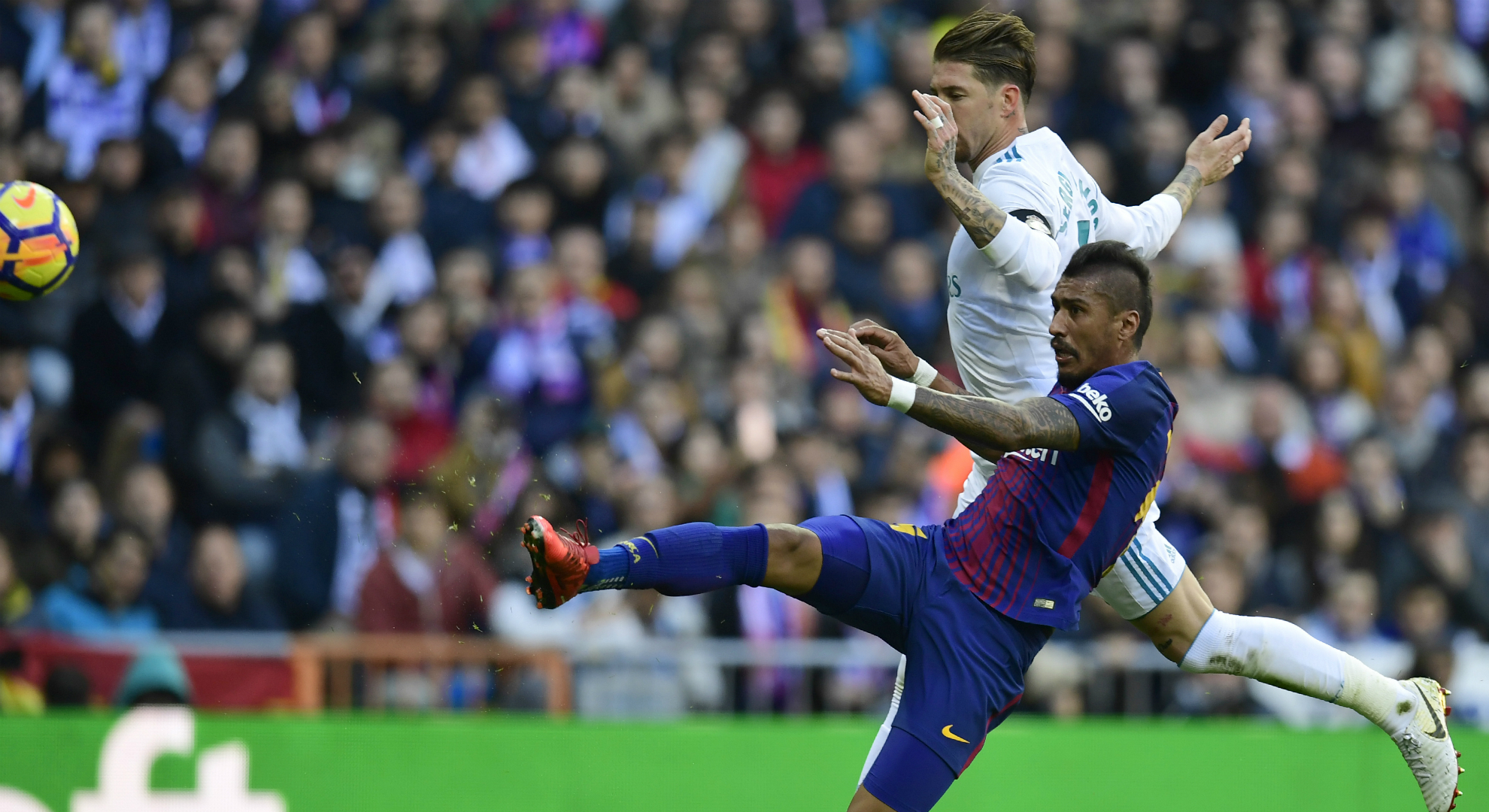 Paulinho Sergio Ramos Barcelona Real Madrid