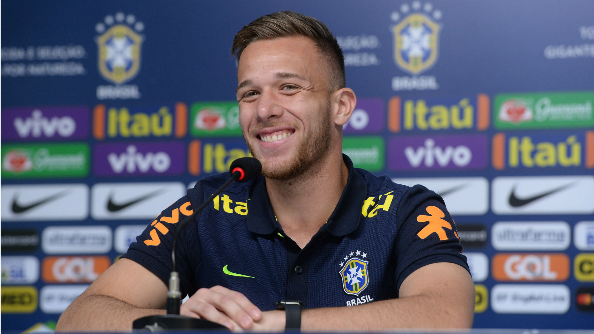 Arthur Seleção Brasil 02 10 2017