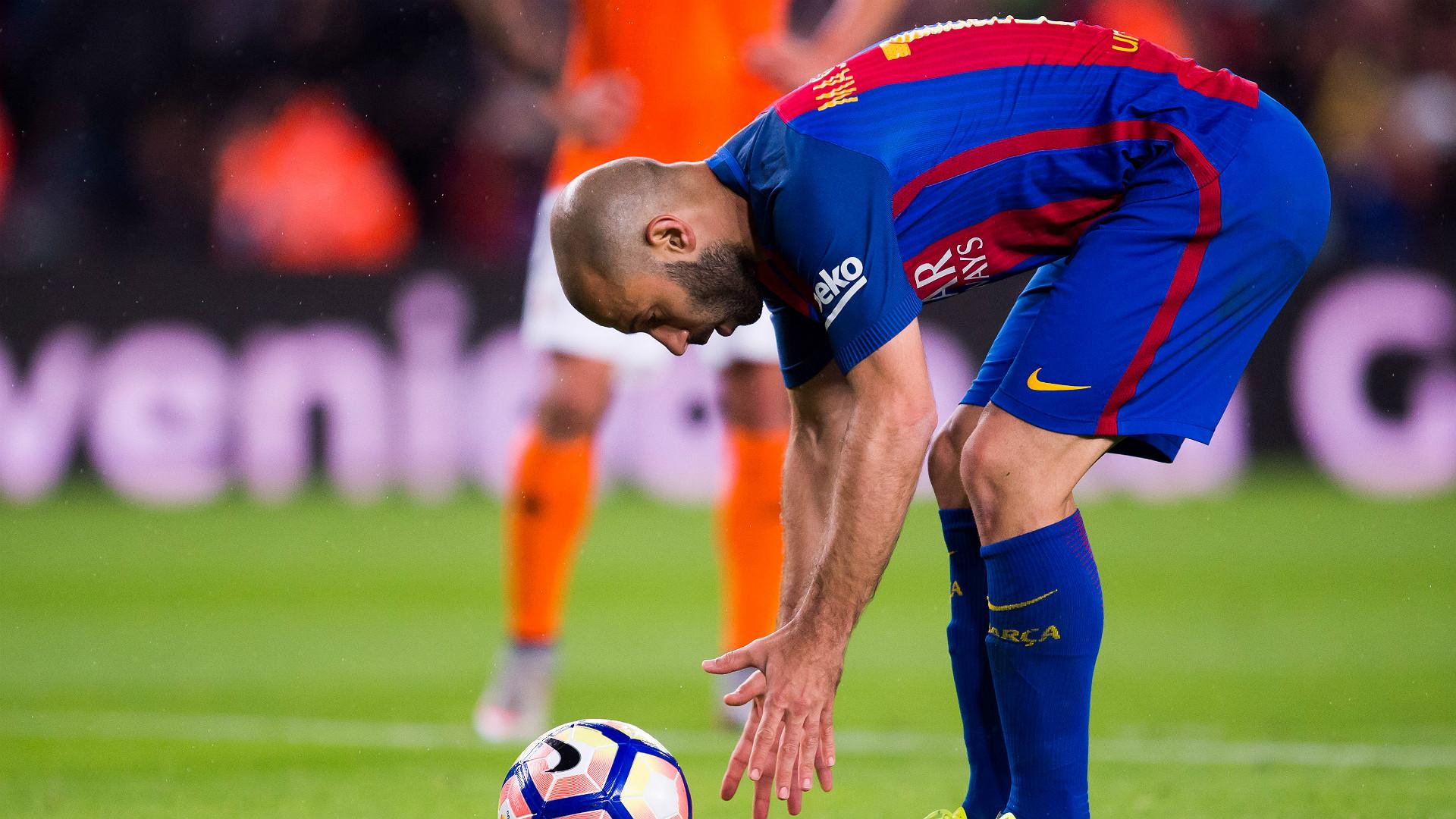 El Camp Nou le dedicó una despedida a Mascherano
