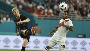 Ivan Rakitic Croatia Jefferson Farfan Peru