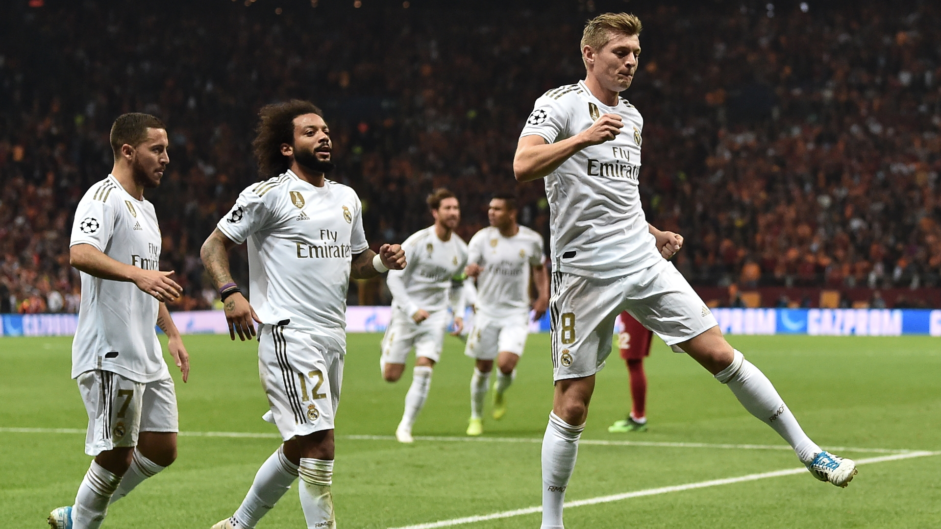 Toni Kroos celebrates vs Galatasaray