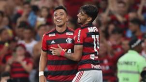 Lucas Paqueta Fernando Uribe Flamengo 2018