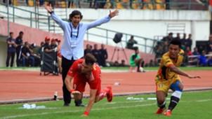 Marko Simic - Persija Jakarta & Bayu Pradana - Mitra Kukar