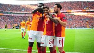 Bafetimbi Gomis Garry Rodrigues Sinan Gumus Galatasaray 5122018