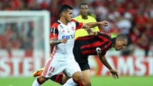 Ze Ivaldo Trauco Atletico-PR Flamengo Libertadores 26042017