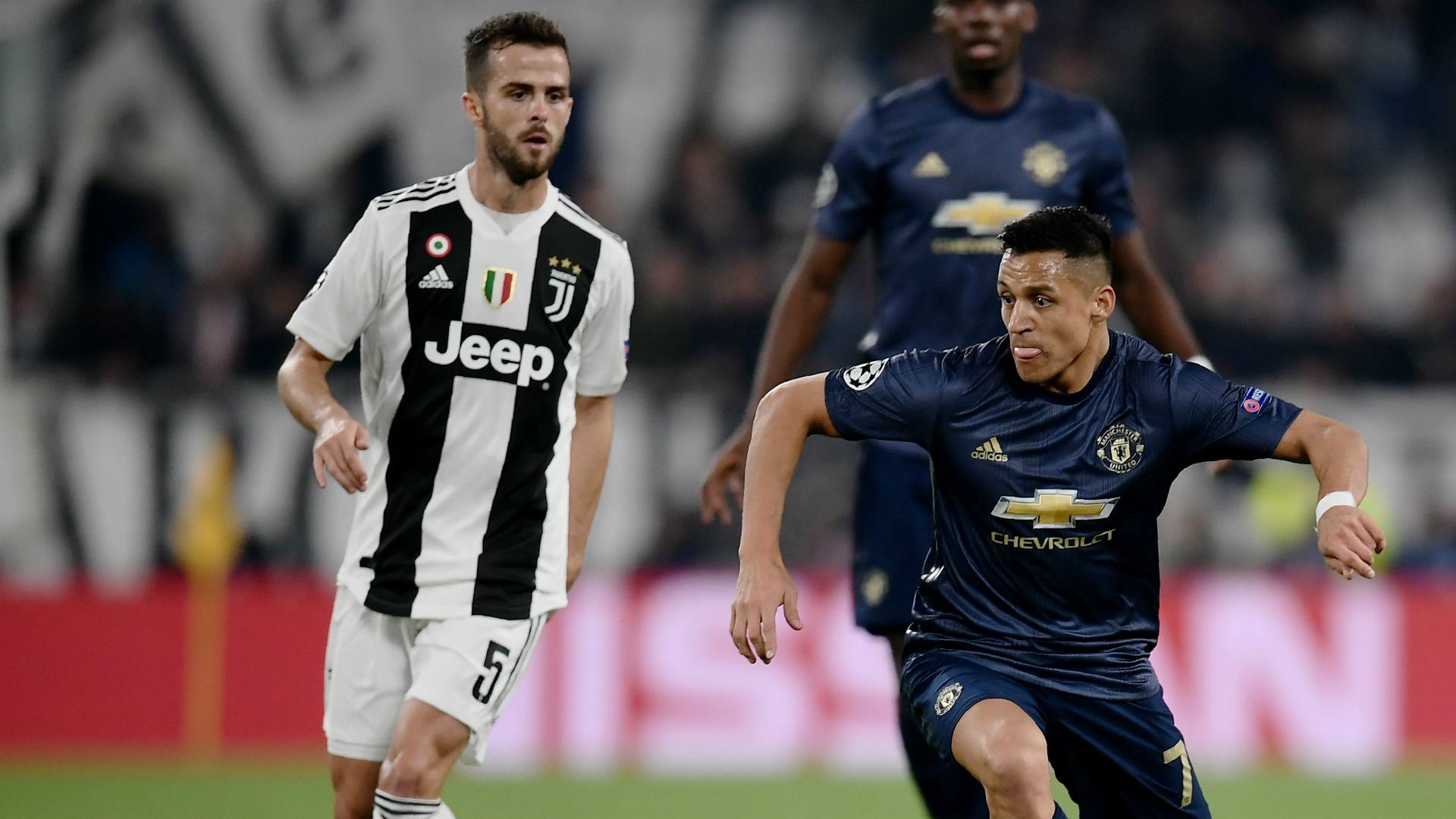 Miralem Pjanic Alexi Sanchez Juventus Manchester United