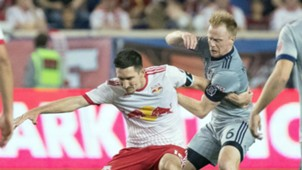 Dax McCarty Sacha Kljestan MLS 042932017