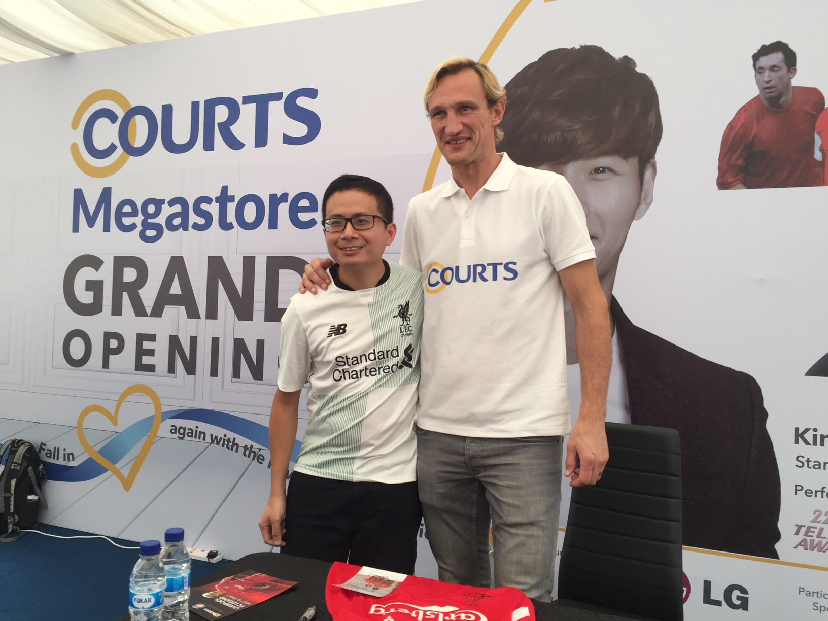 Sami Hyppia at COURTS Megastore