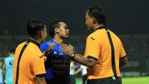 Atep & Wasit Madura United - Persib