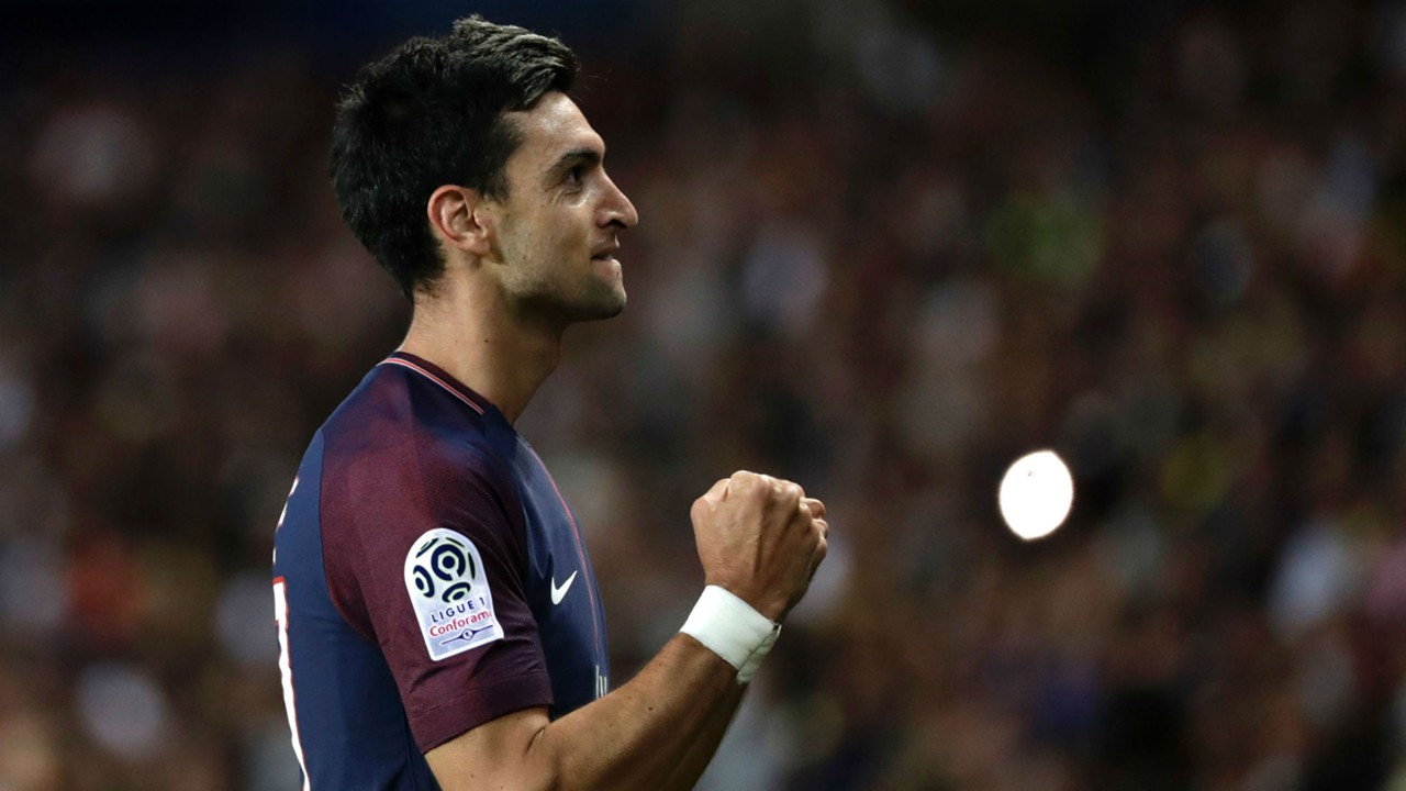 Manchester United s next No 7 Javier Pastore favoured over