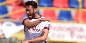 Hakan Calhanoglu Bologna Milan Serie A