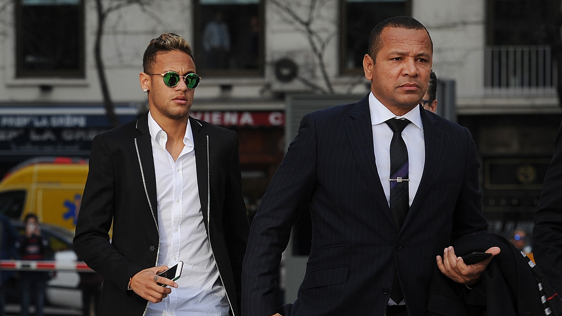 PSG ganó, goleó y Neymar y Cavani hiceron las paces