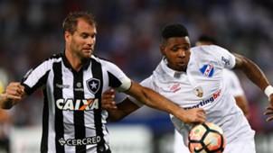 Hugo Silveira Joel Carli Botafogo Nacional Montevideo Libertadores 10082017