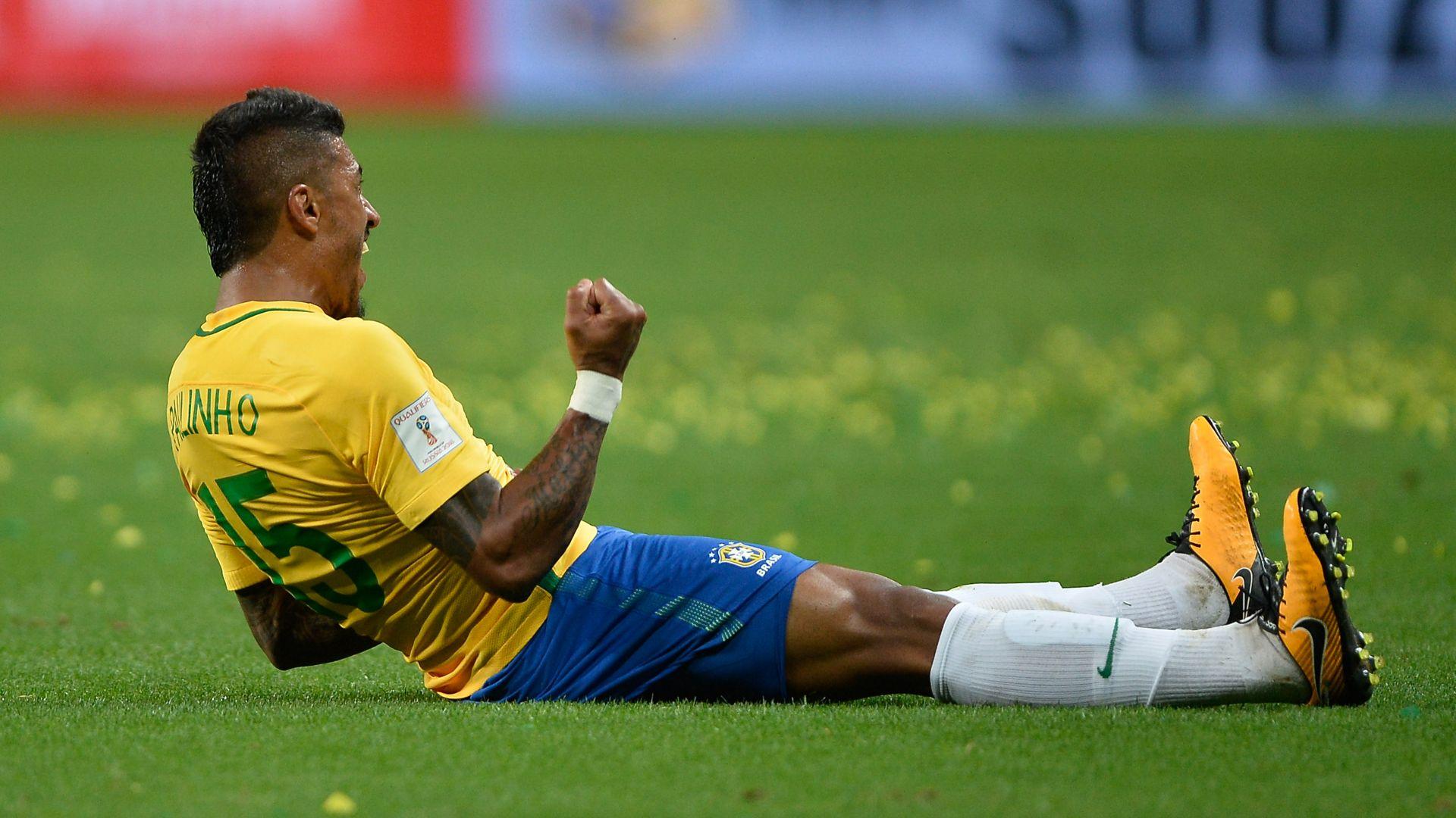 Paulinho Brazil Ecuador Eliminatorias 2018 31082017