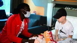 Bafetimbi Gomis Galatasaray hospital visit 03302018