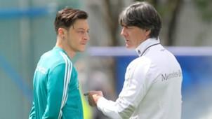 Mesut Özil Joachim Löw 2018