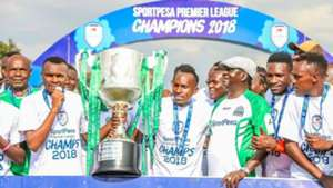 Raila Odinga presents KPL trophy to Gor Mahia.