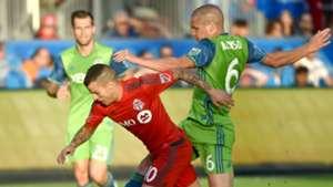 Sebastian Giovinco Ozzie Alonso Toronto FC Seattle Sounders 070216