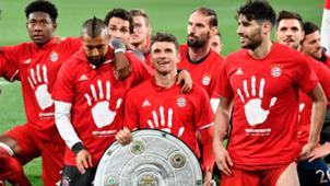 Arturo Vidal Thomas Müller Bayern champion 290417