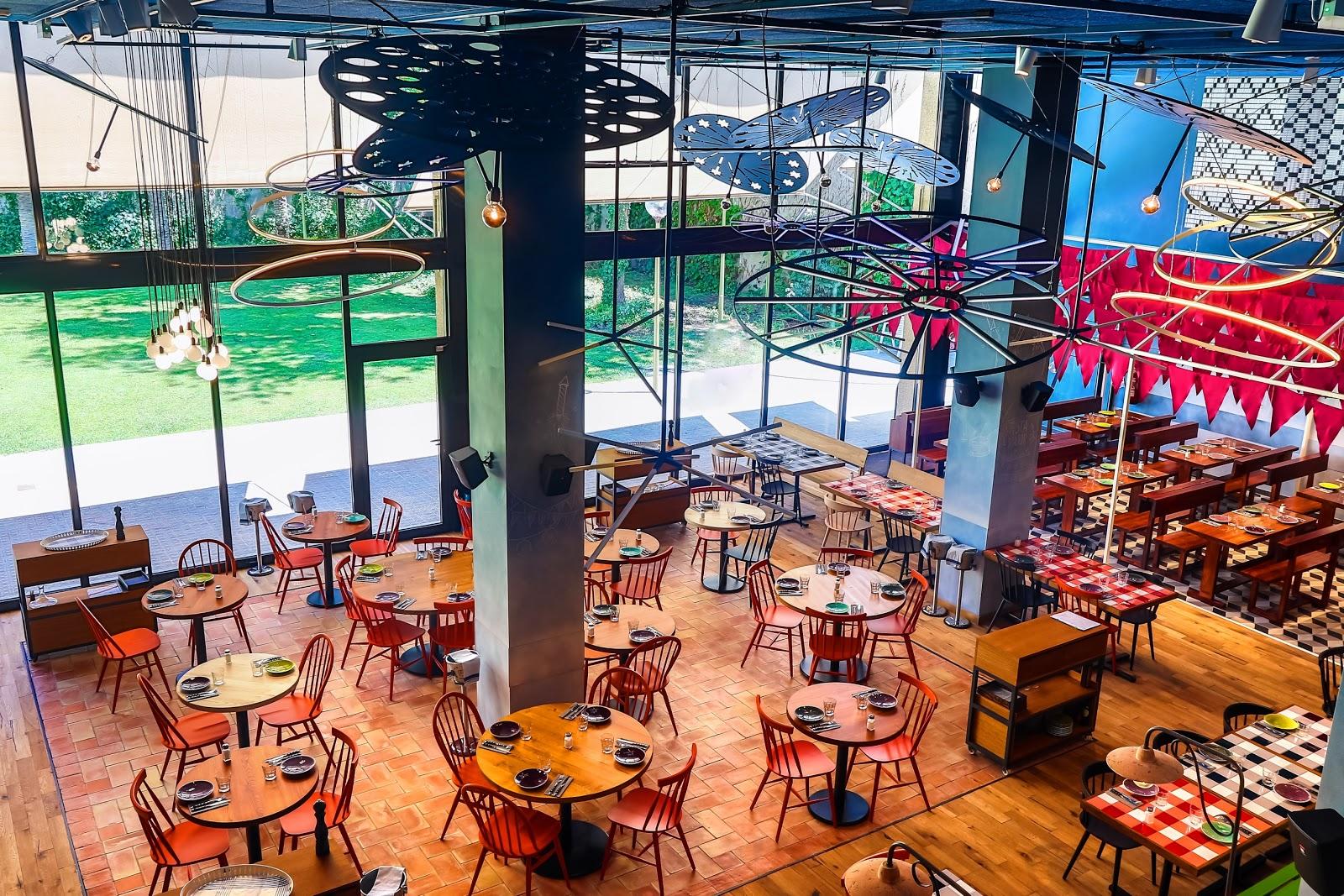 Messi restaurant garden