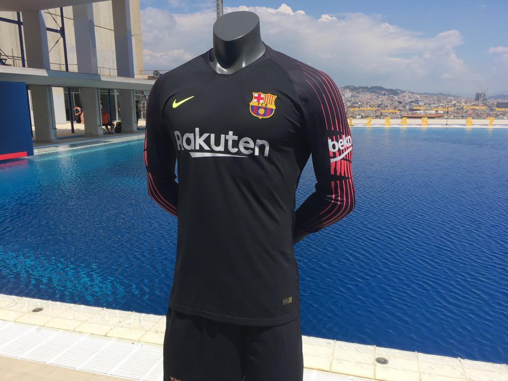 4102d9b9572 Barcelona unveil new home kit for 2018-19 season