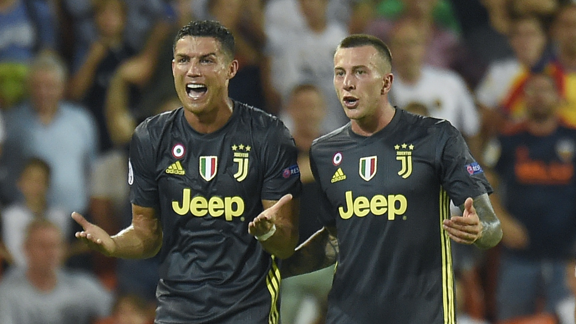 Cristiano Ronaldo Federico Bernardeschi Juventus Valencia 1909208
