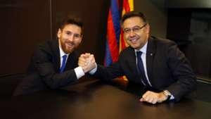 Messi Barcelona signature