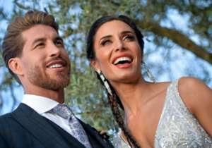 Kapten El Real Sergio Ramos melangsungkan pernikahannya dengan Pilar Rubio pada Sabtu (15/6) kemarin di Sevilla. Beberapa bintang ternama seperti David Beckham hingga Roberto Carlos ikut hadir. Simak kemeriahannya di sini!