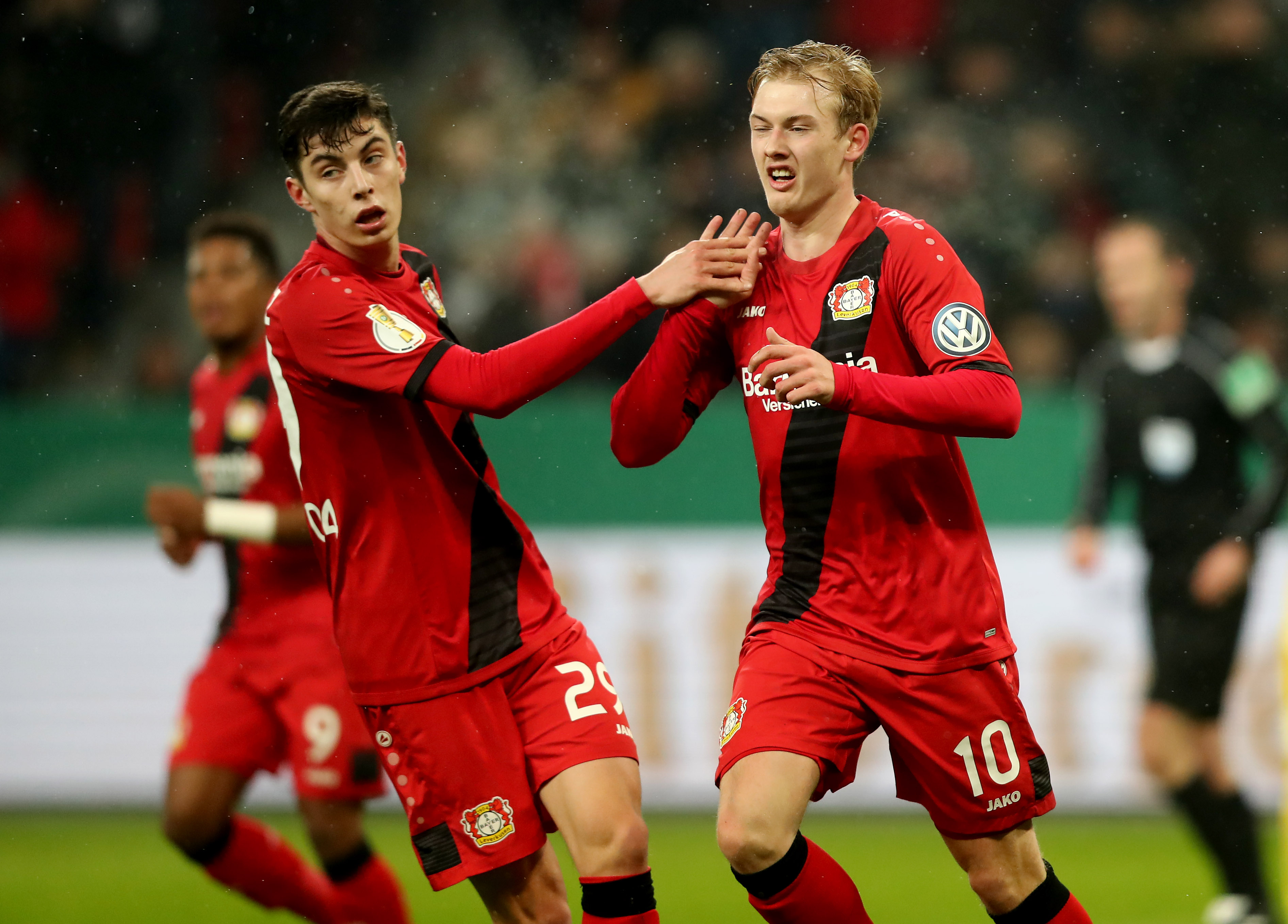 Burgstaller schießt Schalke zum Sieg in Leverkusen