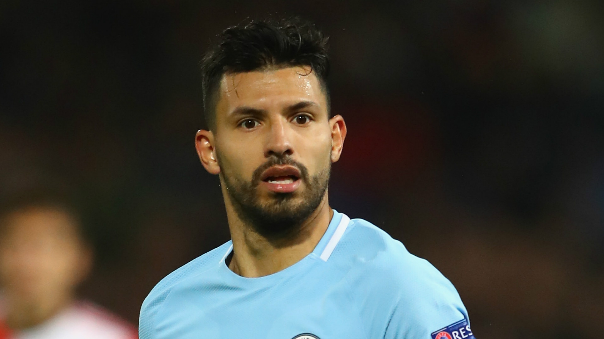 Showcase - Man City striker Aguero hurt in auto  crash