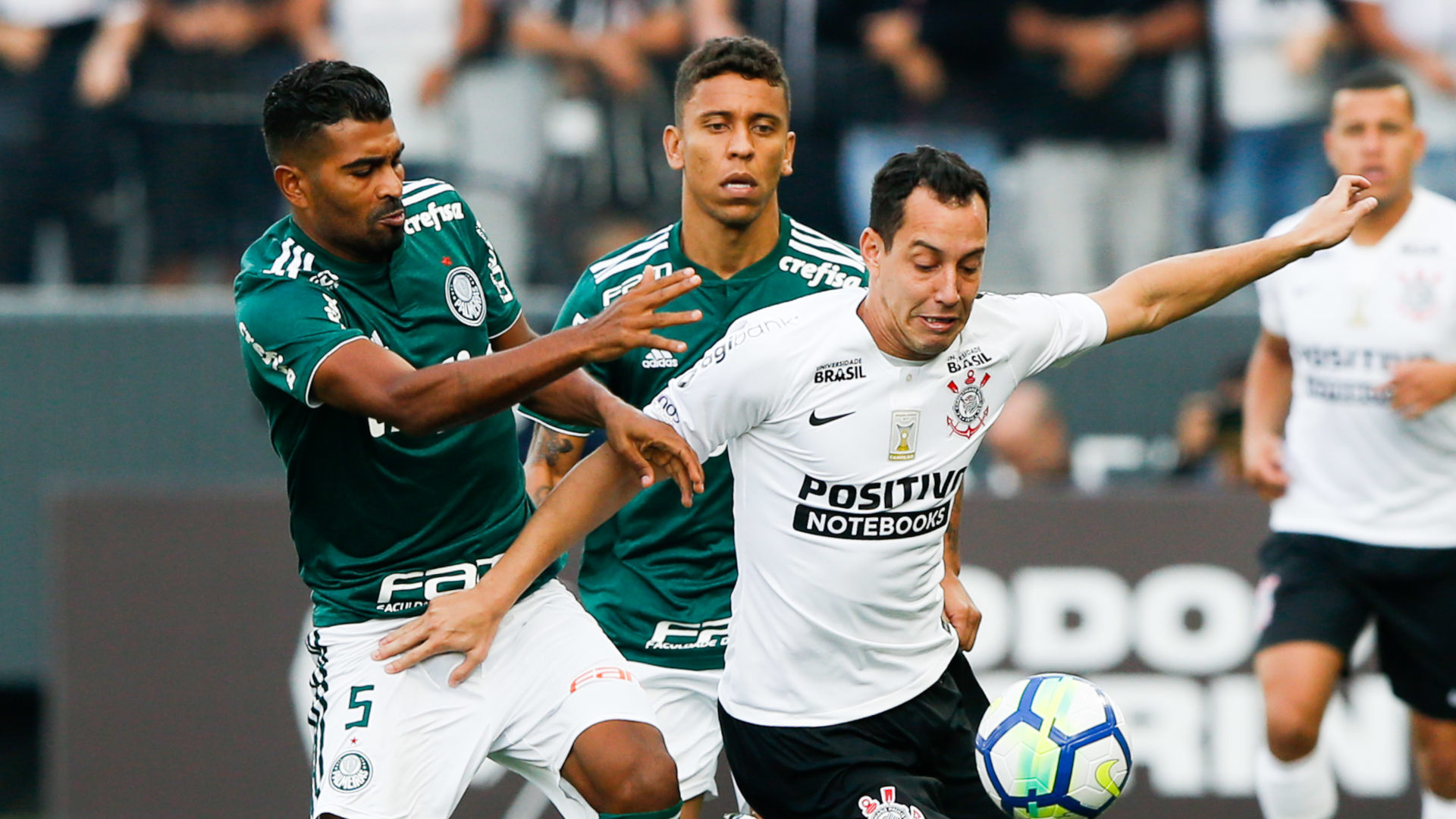 Rodriguinho Marcos Rocha Thiago Santos Corinthians Palmeiras Brasileirao Serie A 13052018