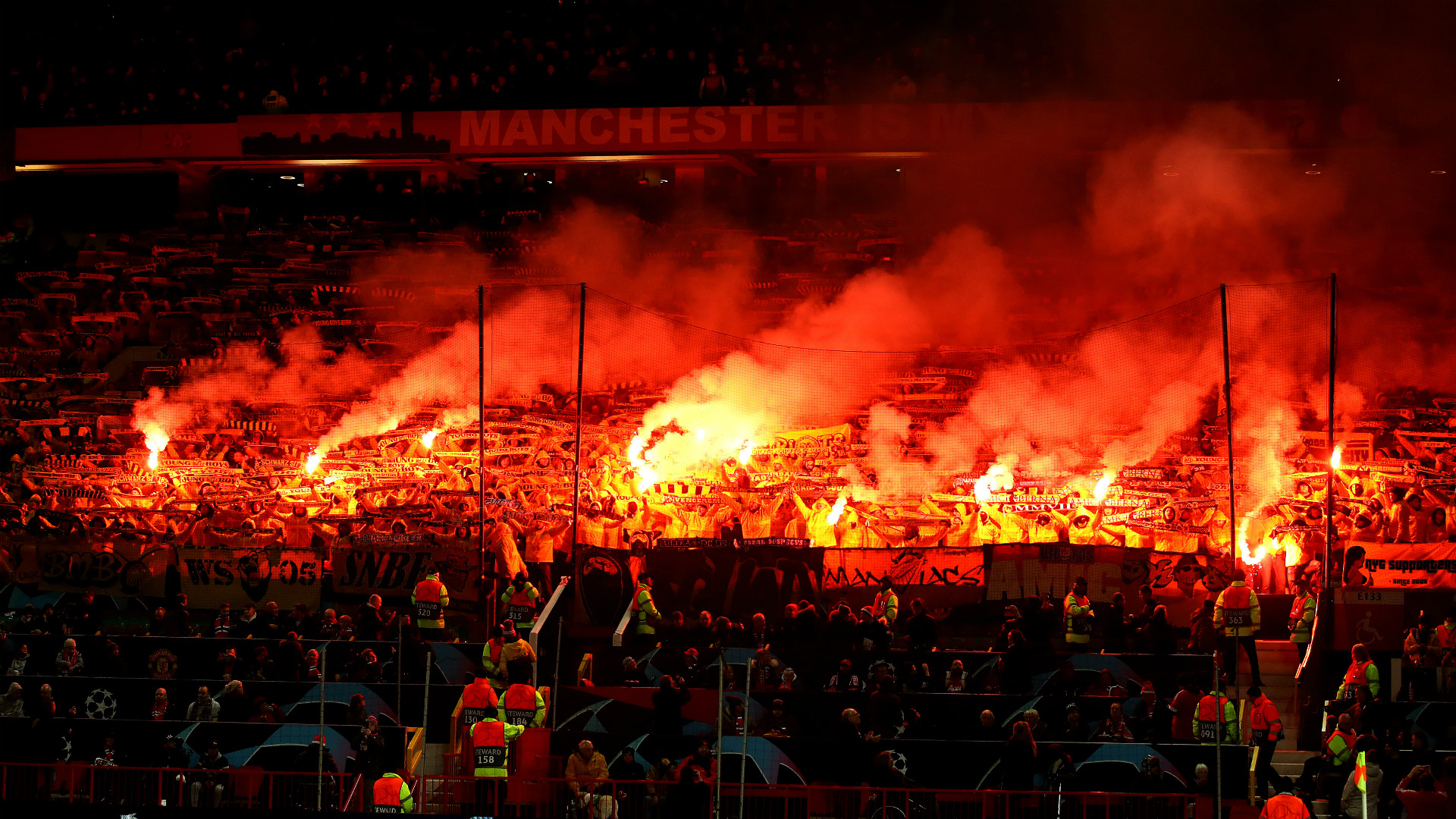 Manchester United Old Traford Flares