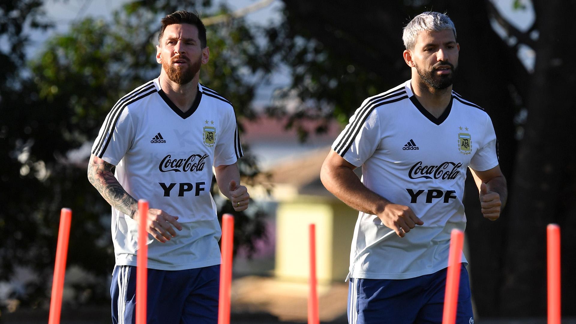 Lionel Messi Sergio Aguero Argentina training