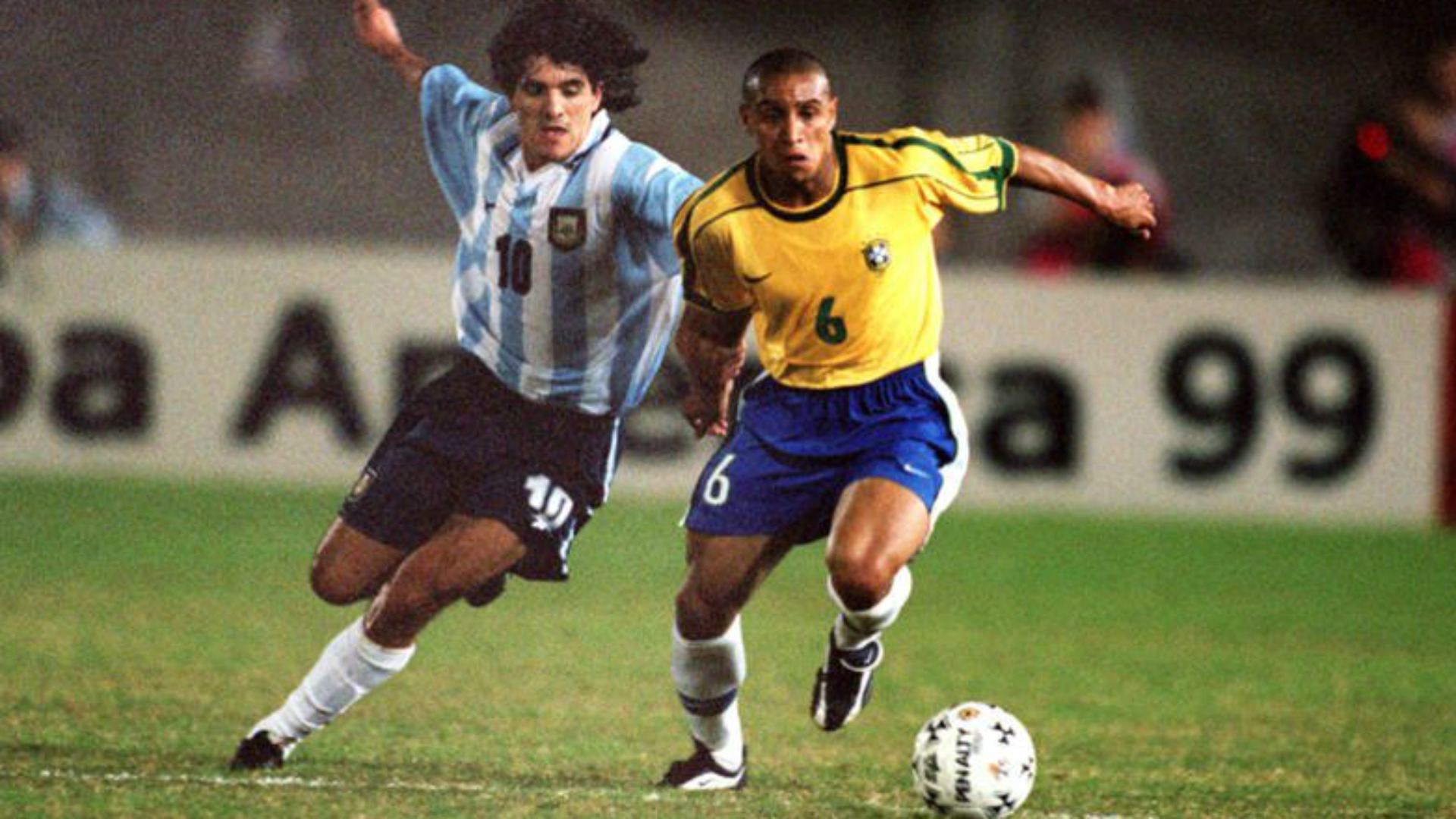 Ariel Ortega Roberto Carlos Argentina Brazil 1999