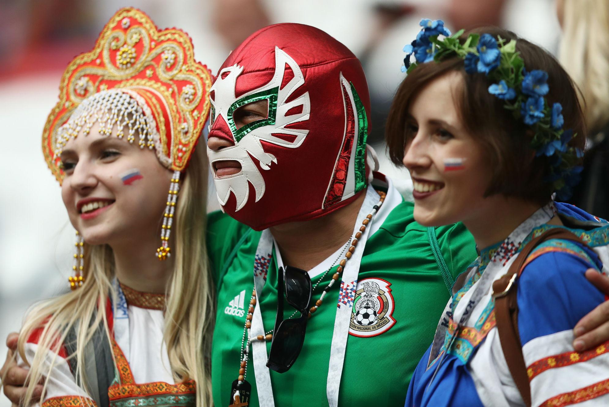 Russia Mexico fans