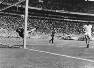 Gordon Banks Pele Brazil England 1970 World Cup