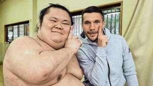 Lukas Podolski Japan Sumo