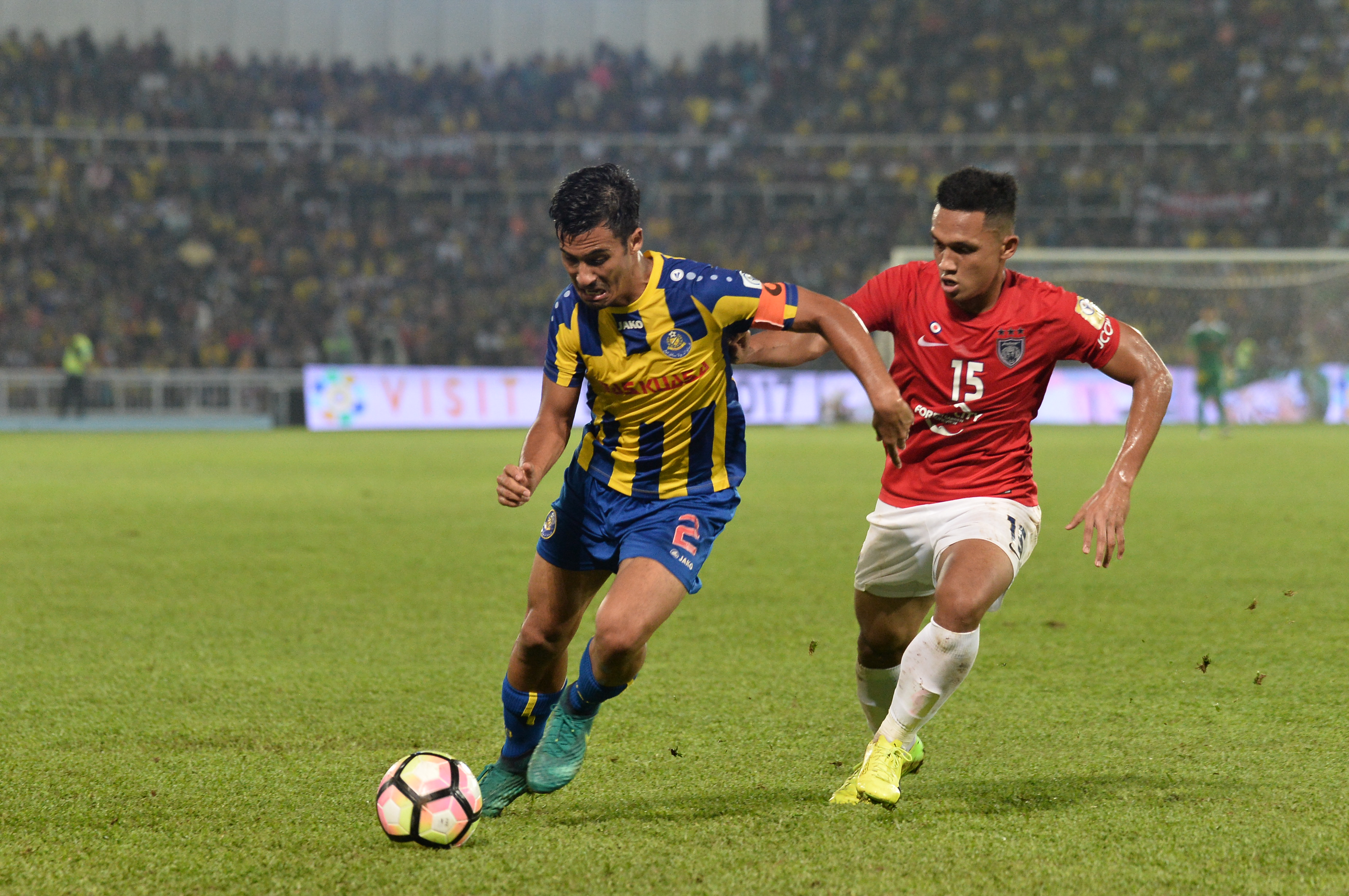 Matthew Davies Fazly Mazlan Johor Darul Ta'zim Malaysia FA Cup 01042017