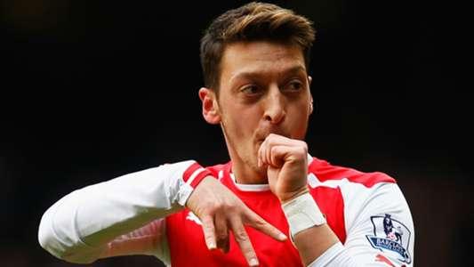 Mesut Ozil Arsenal Tottenham 2015